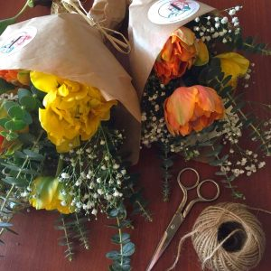 Ramo tulipanes dobles de color naranja
